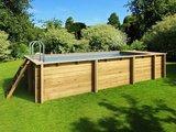 Smal houten inbouwzwembad _