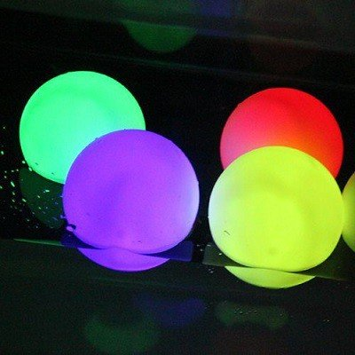 Mini lichtbollen voor op het water