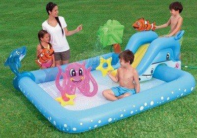 Speelzwembad met dieren