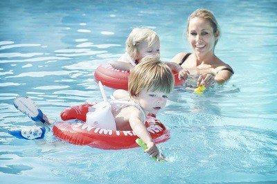 Swimtrainer veiligheid voor kinderen